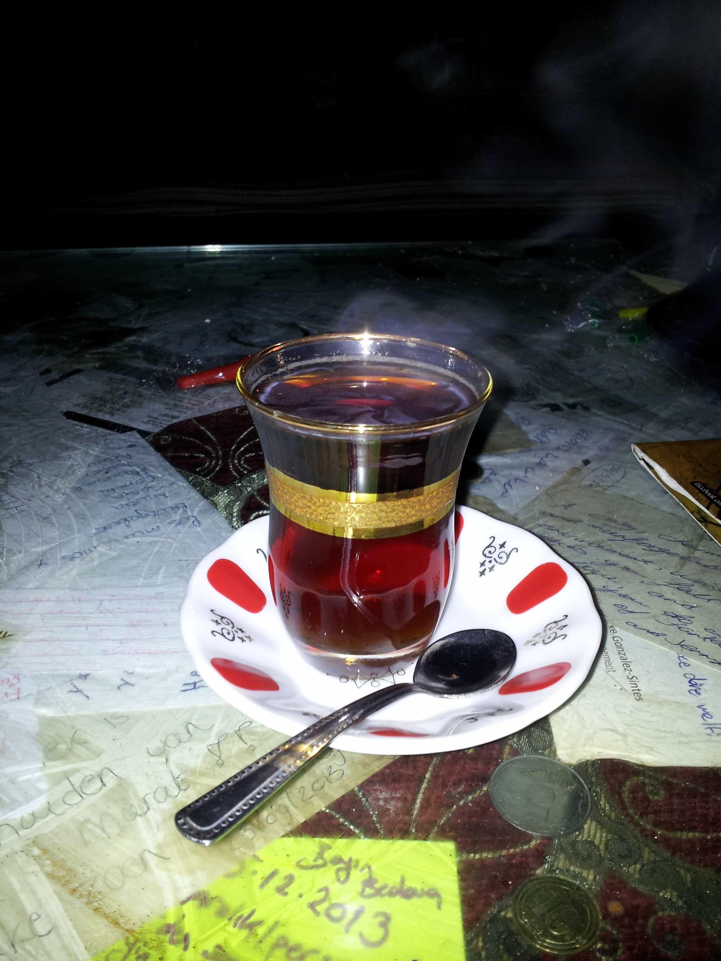 Le thé Turc ou Cay :